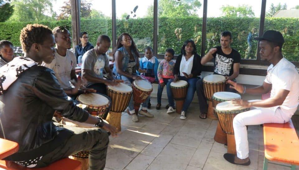 Afrikanische Trommler im Aschauer Kurpark